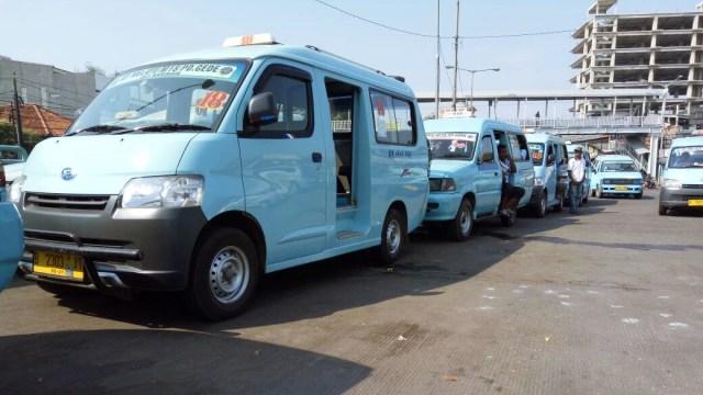 Go-Jek dan Uber Janji Akan Bantu Pasang AC di Angkot (96995)