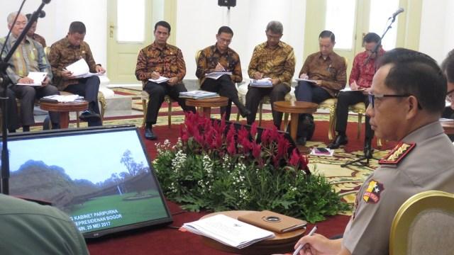 Jokowi: Berikan TNI Kewenangan di UU Terorisme  (42105)