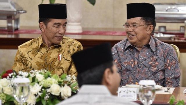 Jokowi dan JK saat berbuka bersama