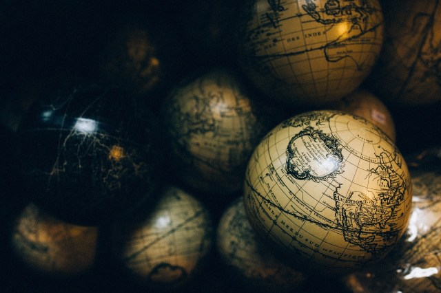 Ilustrasi Bola Dunia