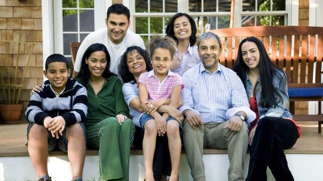 Ilustrasi kumpul keluarga