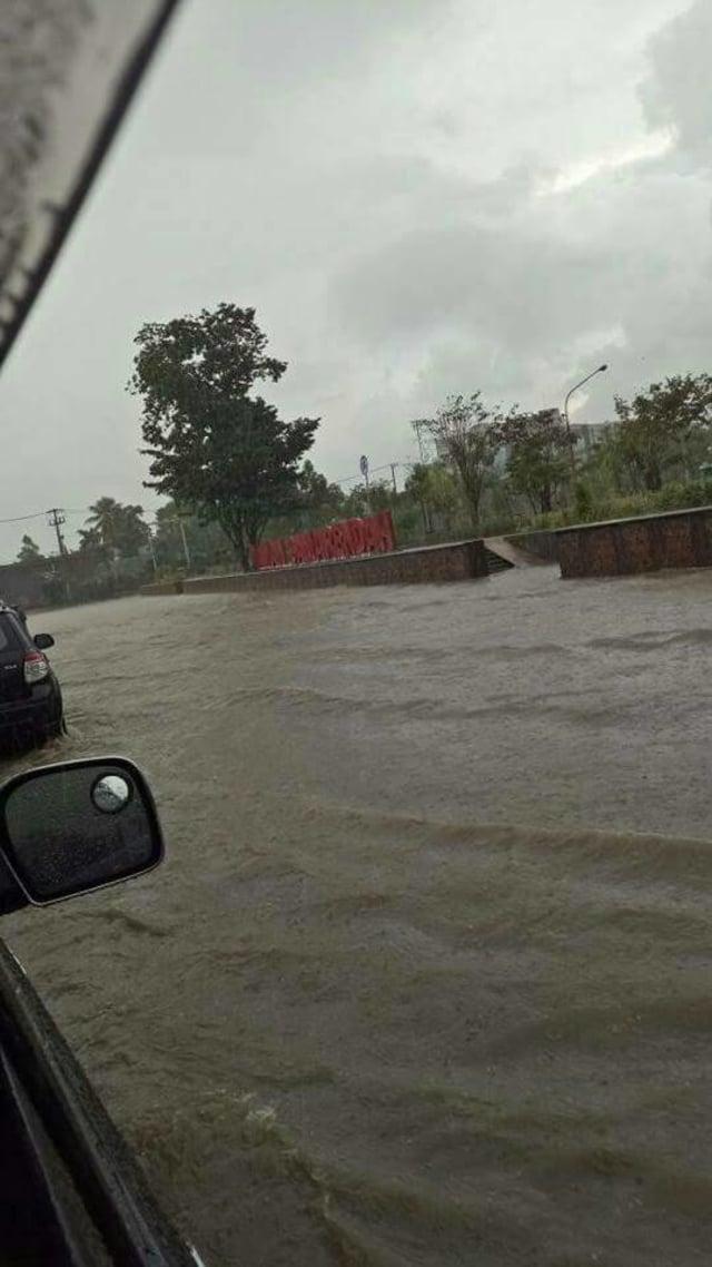 Banjir di Samarinda Akibat Buruknya Drainase (15814)