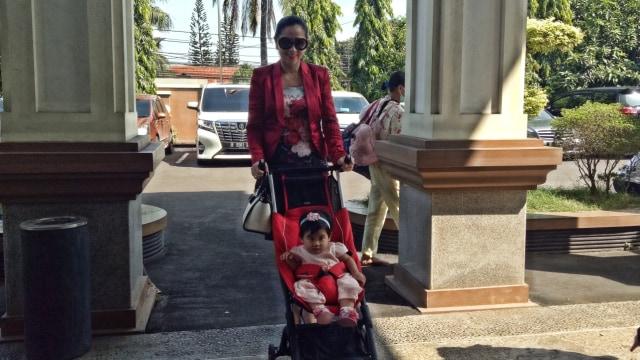 Venna Melinda Ajukan Hak Asuh atas Anak Perempuan yang Dibuang Ortunya (384524)