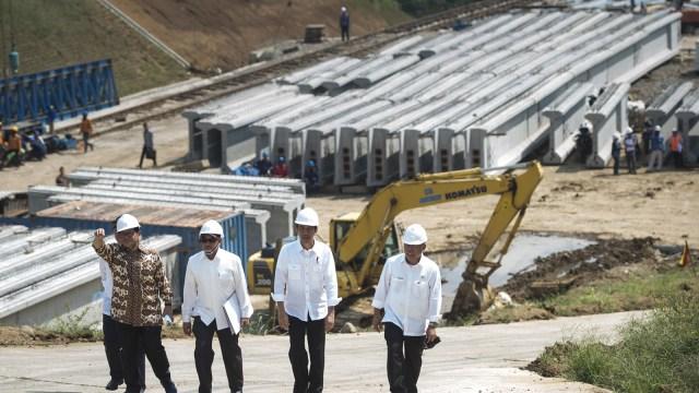 Kwik Kian Gie: Infrastruktur Asal Bangun, Uangnya Kurang Tak Peduli (730110)