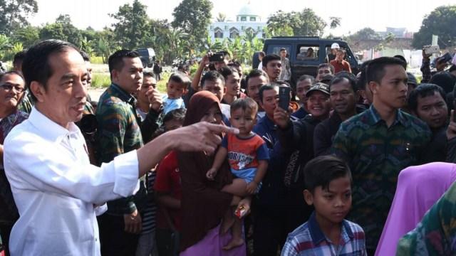Bersama Warga, Presiden Jokowi Ucapkan Selamat Hari Raya Idul Fitri (317193)