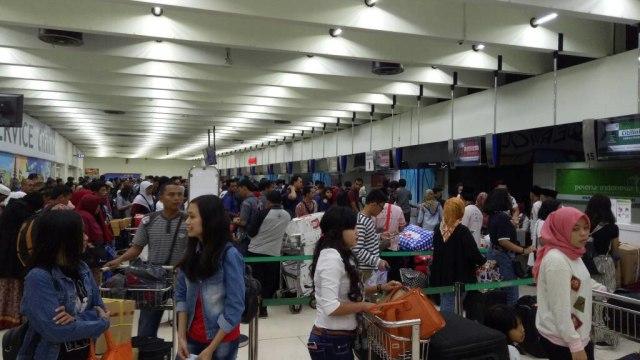 Padat Pemudik di Bandara Soekarno-Hatta