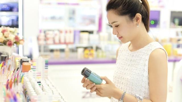 5 Langkah Ramah Lingkungan untuk Manfaatkan Kemasan Bekas Makeup  (319041)