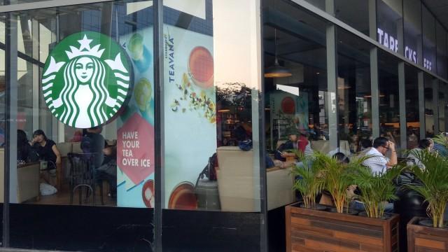 Suasana di Starbucks