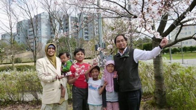 Khoirul Anwar, Tolak Kemapanan Jepang demi Berjibaku di Indonesia (730458)