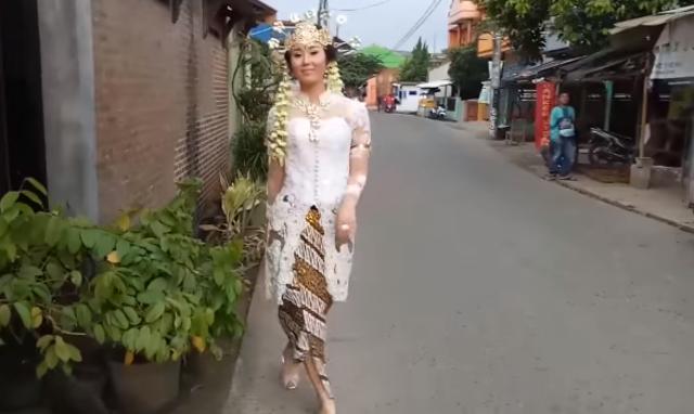 Jisun dan pakaian adat Sunda