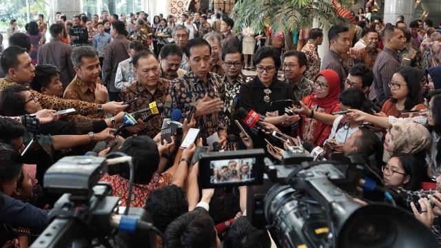 Joko Widodo mengunjungi Bursa Efek Indonesia