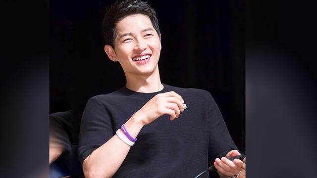 Saat Ridwan Kamil Live Instagram Cukur Rambut Gaya Song Joong-Ki (157761)
