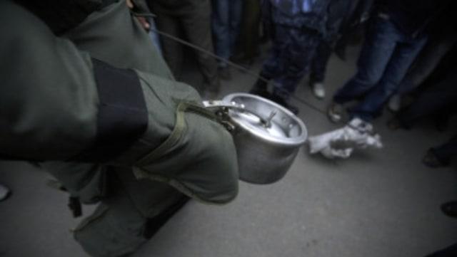 2 Orang Tak Dikenal Serang Polres Indramayu, Lempar Panci Diduga Bom (1072158)