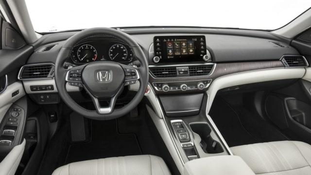 Honda Accord Terbaru Pakai Transmisi Otomatis 10 Percepatan (26197)
