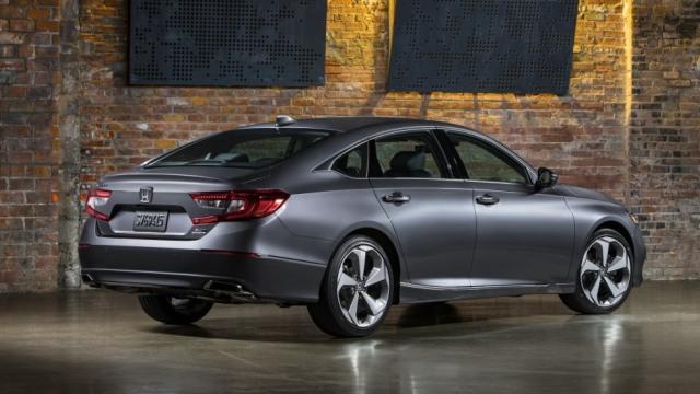 Honda Accord Terbaru Pakai Transmisi Otomatis 10 Percepatan (26200)