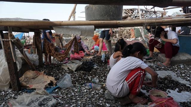Menguji Pernyataan Sandiaga Uno soal Penurunan Angka Kemiskinan di DKI (109942)