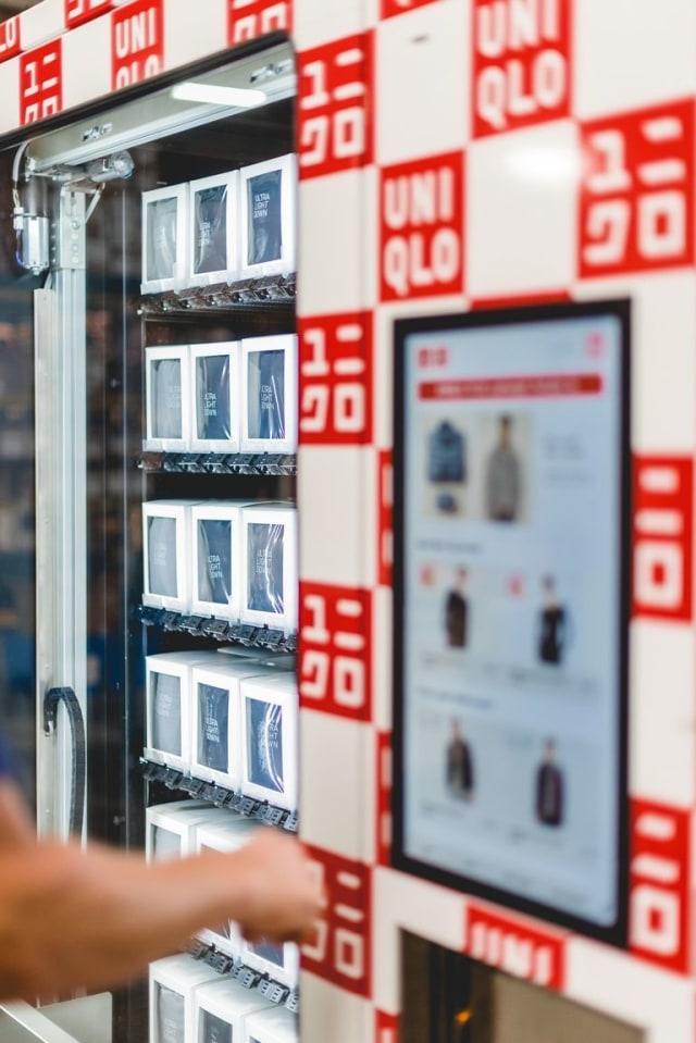 Mulai dari Payung hingga Sup Ikan, Uniknya Vending Machine di Jepang (106620)