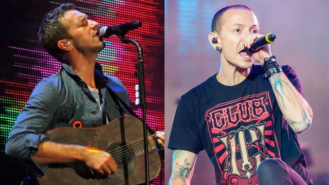 Chris Martin Coldplay Lantunkan Crawling Untuk Chester Bennington Kumparan Com
