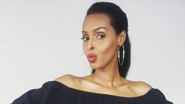 Pakai Kaftan saat Sesi Bikini Miss Universe, Ini Profil Muna Jama (286277)