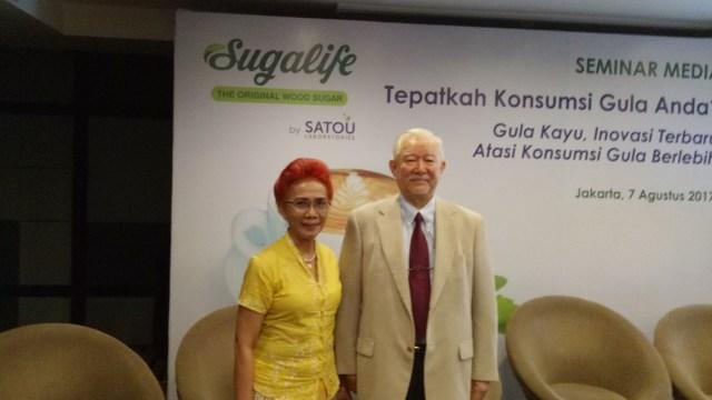 Dr. Saptawati dan Dr. Asano