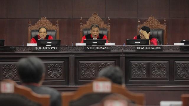 Putusan MK: Presidential Threshold Tetap 20 Persen (53117)