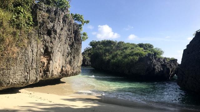 Pesona Memikat Pantai Sambunyi, Surga Rahasia Milik Saumlaki (112230)