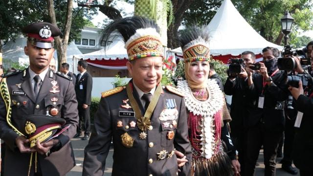 Jokowi Beri Sepeda ke Istri Tito hingga OSO untuk Baju Adat Terbaik (159581)