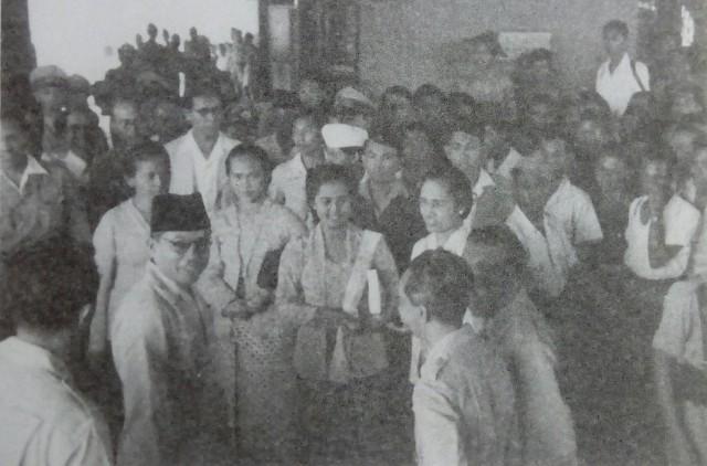 Pemimpin dan Rakyat dalam Keakraban (95531)
