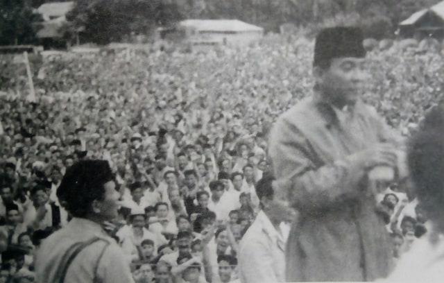 Pemimpin dan Rakyat dalam Keakraban (95536)