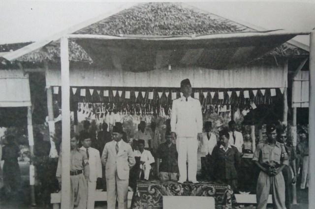 Pemimpin dan Rakyat dalam Keakraban (95539)