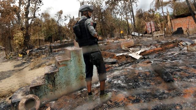 Bekas pembakaran rumah etnis Rohingya di Myanmar