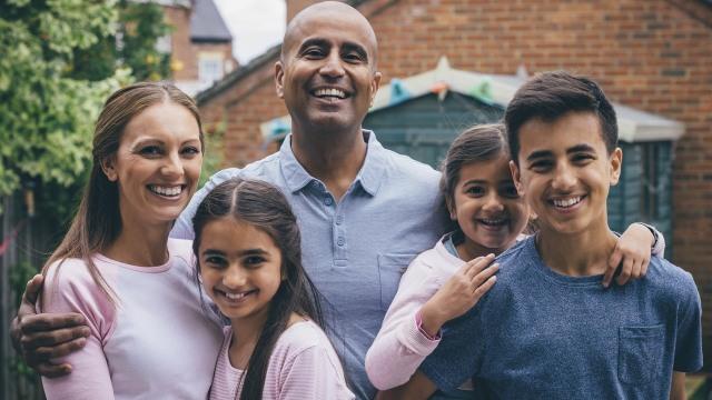 Ilustrasi keluarga bahagia.