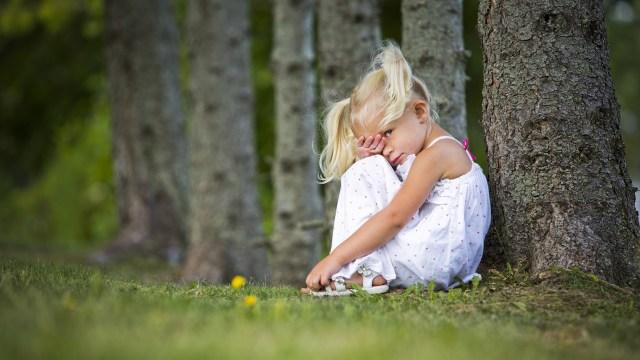 Ilustrasi anak introvert