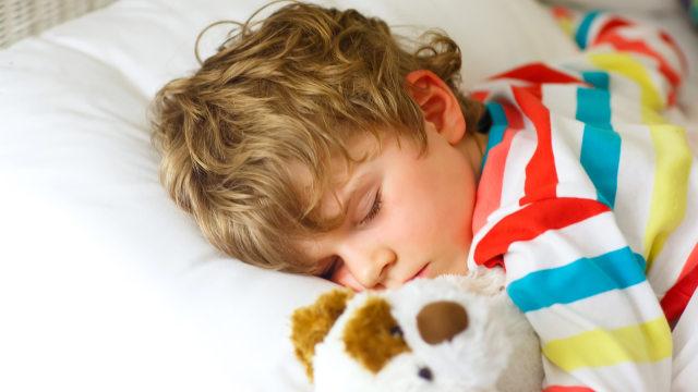 Manfaat Tidur Cukup untuk Tumbuh Kembang Anak (66015)