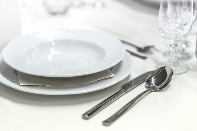 Ilustrasi alat makan