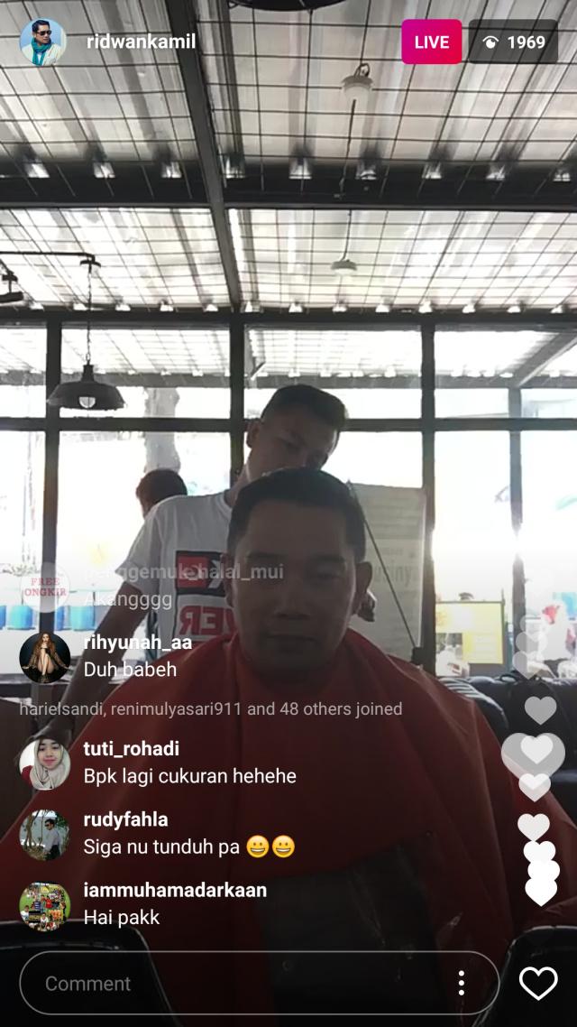 Saat Ridwan Kamil Live Instagram Cukur Rambut Gaya Song Joong-Ki (157760)