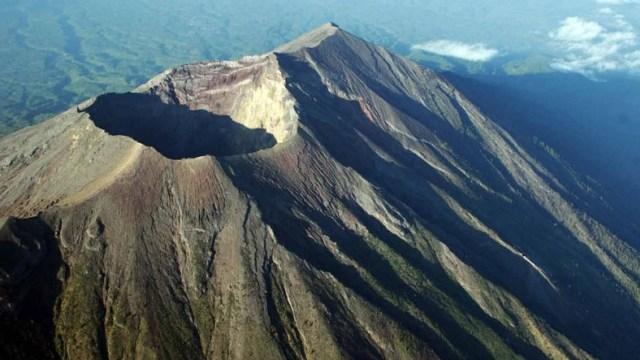 Sejarah Letusan Gunung Agung dari Masa ke Masa (1404910)