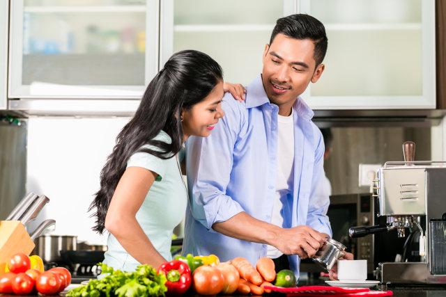 5 Kebiasaan Buruk Generasi Milenial saat Makan (299166)
