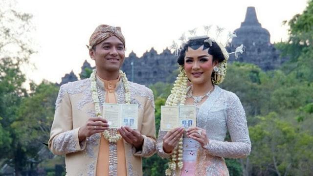 Pernikahan Vicky Shu dan Ade Imam