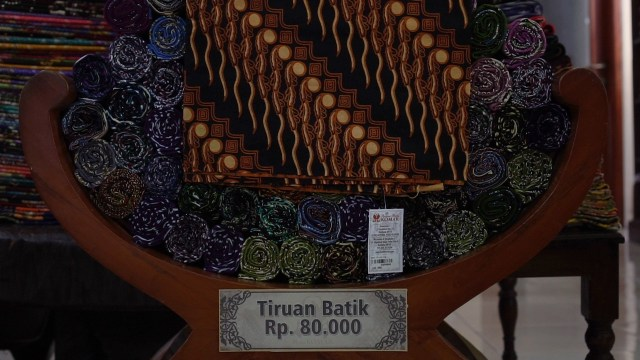 Harga Tiruan Batik
