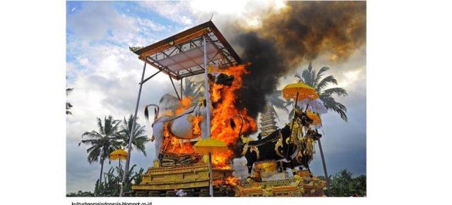 Mengintip 14 Tradisi Unik Upacara Kematian di Indonesia (104189)