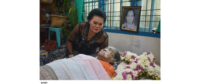 Mengintip 14 Tradisi Unik Upacara Kematian di Indonesia (104190)