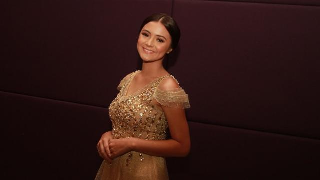 Main Ranah 3 Warna, Amanda Rawles Perdana Tampil Pakai Jilbab di Film (28044)
