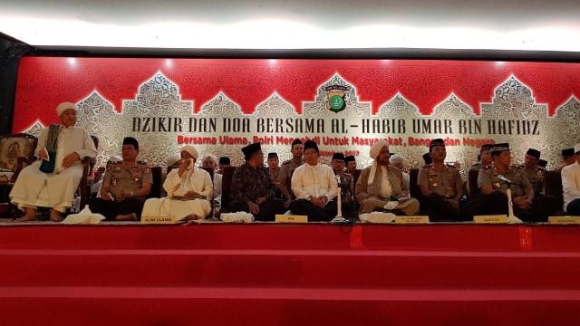 Zikir dan doa bersama Al Habib Umar bin Hafidz
