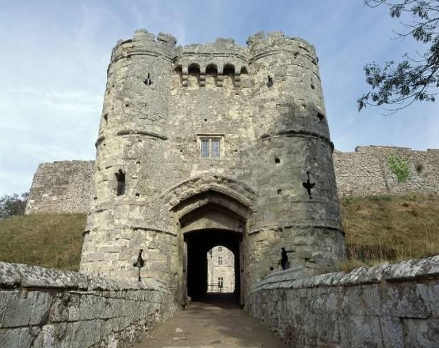 Ada (Banyak) Hantu di Kastil-kastil Inggris (83085)
