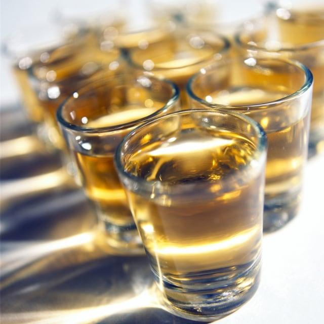 Alkohol dapat menyumbat pembuluh darah.