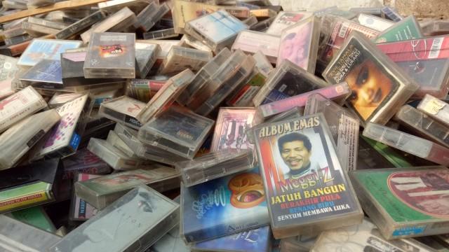 Kaset dan Era Pembajakan Musik di Indonesia (114449)