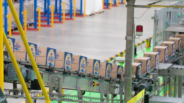 Produsen Aqua Bangun Pembangkit Listrik Tenaga Matahari di Atap Pabriknya (241333)