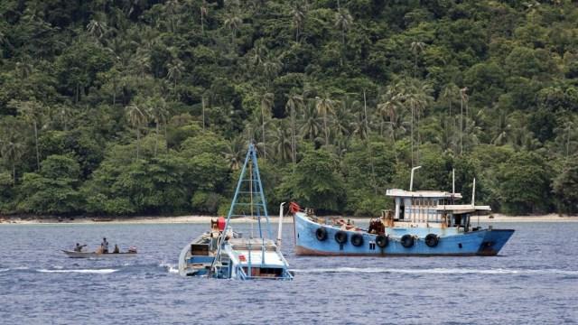 Menteri Susi tenggelamkan 10 kapal pencuri