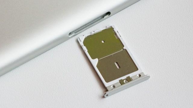 Ilustrasi slot SIM card